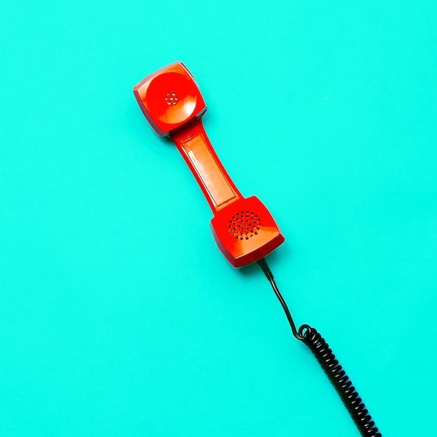 Ретро телефон. минимальный дизайн искусства Premium Фотографии