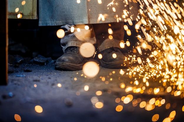 Резка металла с помощью плазменного оборудования Бесплатные Фотографии