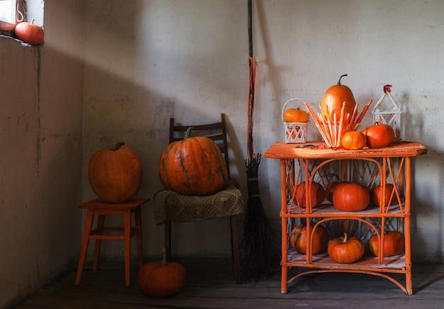 Хэллоуин украшения для дома Premium Фотографии