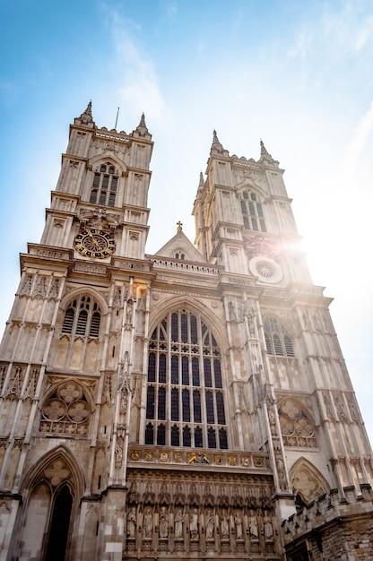 イギリスのロンドンの有名なウェストミンスター寺院の教会 無料写真
