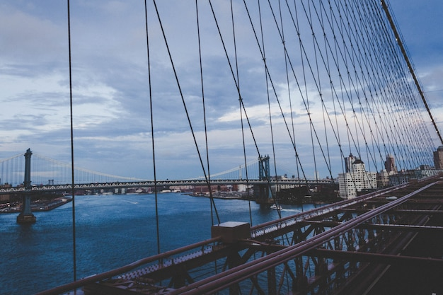 市とマンハッタンの美しい橋 無料写真