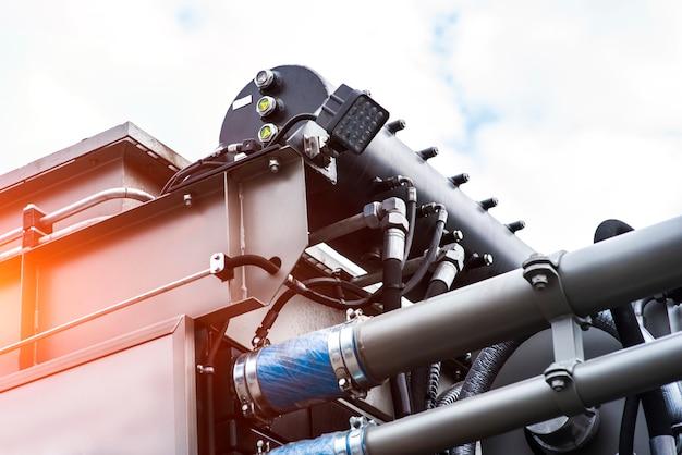 Деталь гибкой трубы для работы на нефтяных месторождениях Premium Фотографии