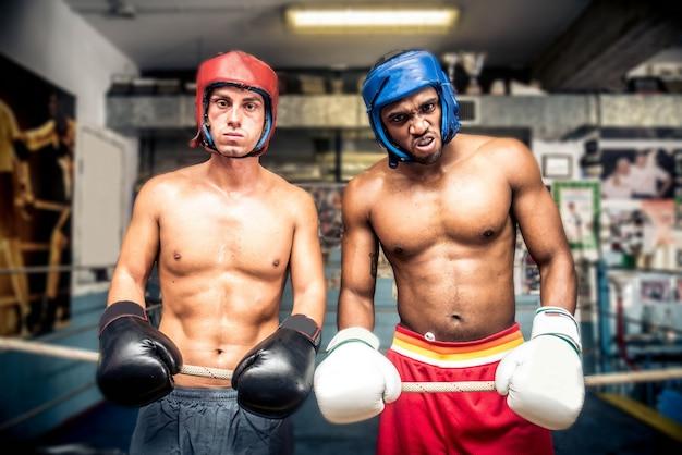 ボクシングの試合 Premium写真