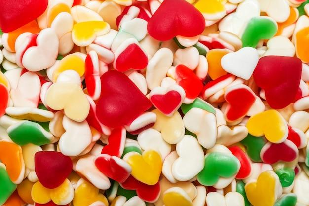 Сочные красочные желейные конфеты. жевательные конфеты. Premium Фотографии