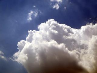 腫れぼったい雲 無料写真