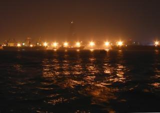 夜の港の灯り 無料写真
