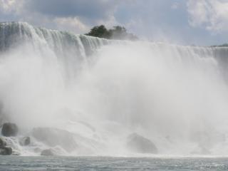 ナイアガラは、フローの滝 無料写真