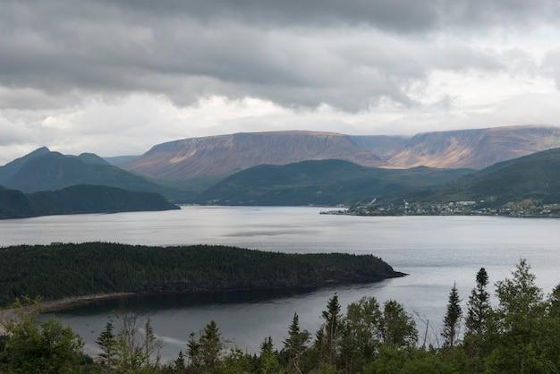 ボンベイ、ノリス・ポイント、グロス・モーン国立公園、ニューファンドランドアンドラブラドール州、カナダ Premium写真