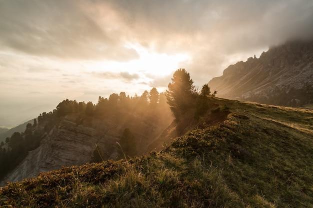 Восход солнца над горой Бесплатные Фотографии