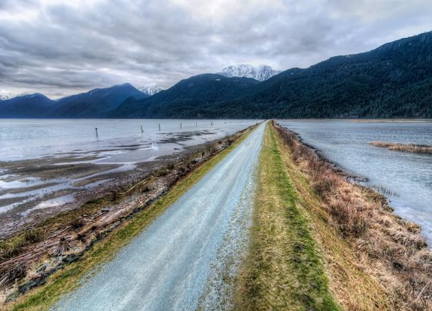道路のある風景 無料写真
