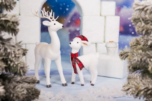 鹿と白いおもちゃショー城 Premium写真