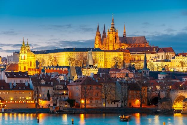 Пражский град и мала страна, чешская республика Premium Фотографии
