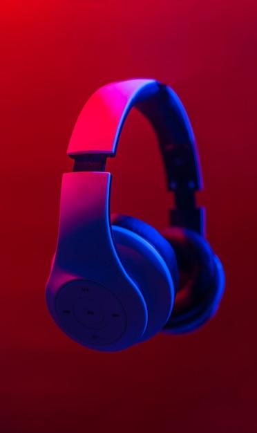 Наушники для прослушивания музыки. Premium Фотографии