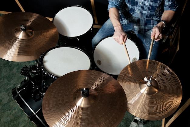 Вид сверху барабанщика Бесплатные Фотографии