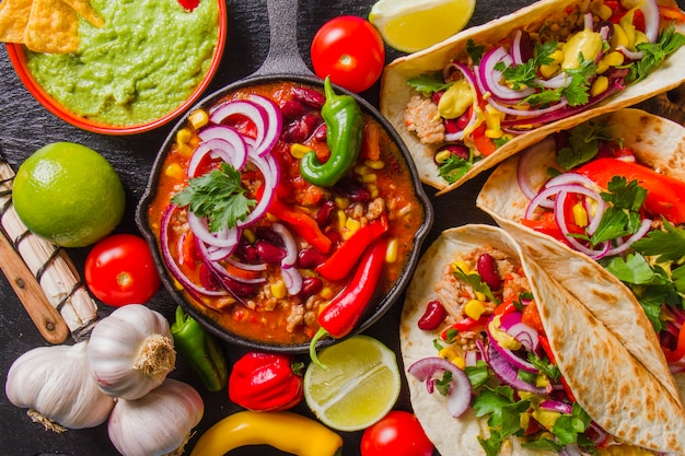 メキシコ料理のメニューを完成 無料写真