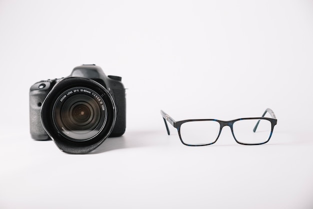 プロのカメラと眼鏡 無料写真