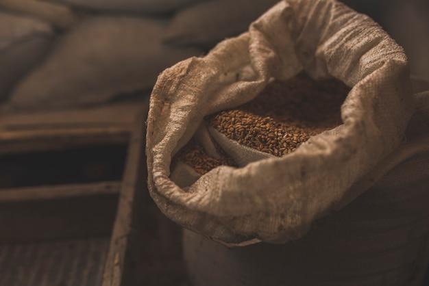 Мешок с едой на ферме Бесплатные Фотографии