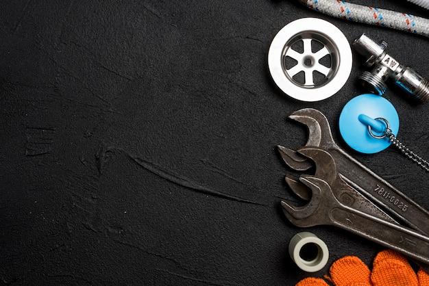 黒で異なる配管設備 無料写真