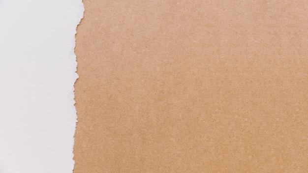 段ボールと紙の質感 無料写真