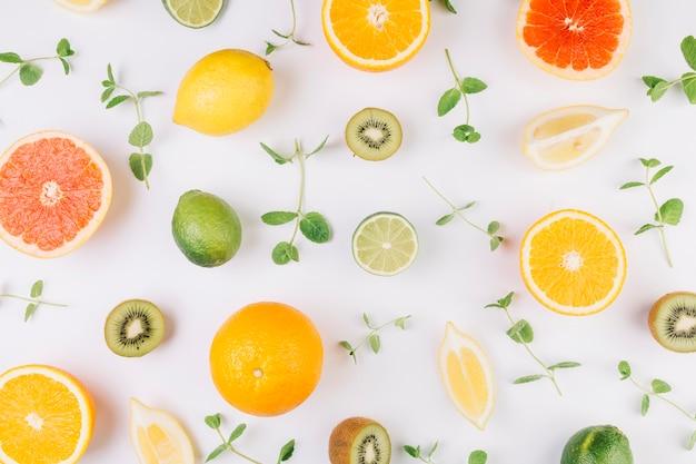 果物の中で葉 無料写真