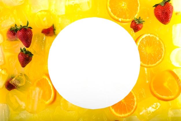 イチゴとオレンジのカクテル紙 無料写真