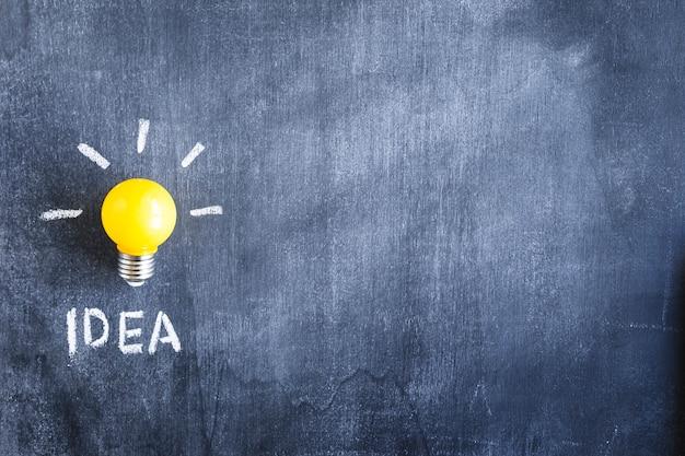 クローズアップ、黄色、電球、アイデア、テキスト、黒板 無料写真