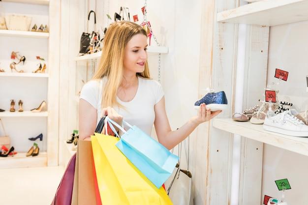 ショップ、靴、見る、カラフルな、買い物袋 無料写真