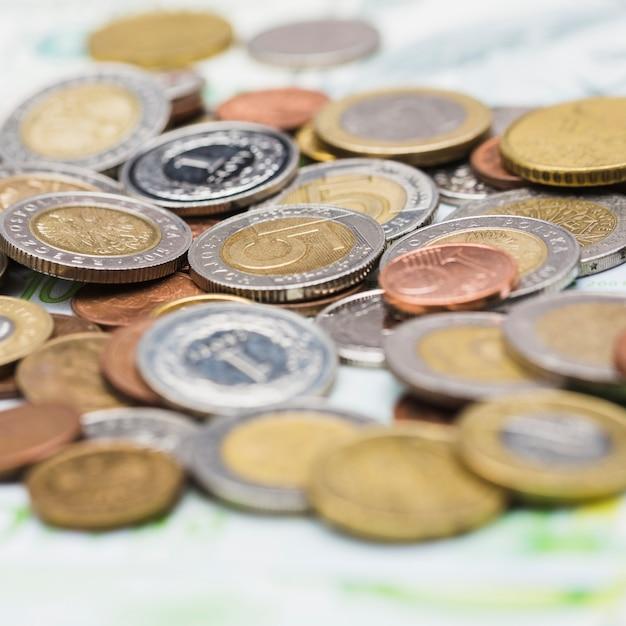 金属のコインのクローズアップ 無料写真
