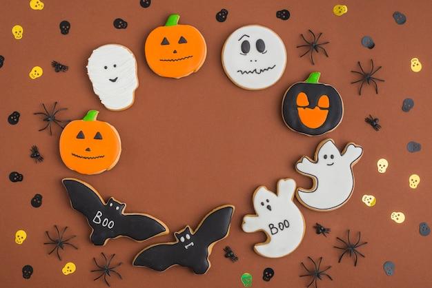 Хэллоуинские пряники, расположенные по кругу Бесплатные Фотографии