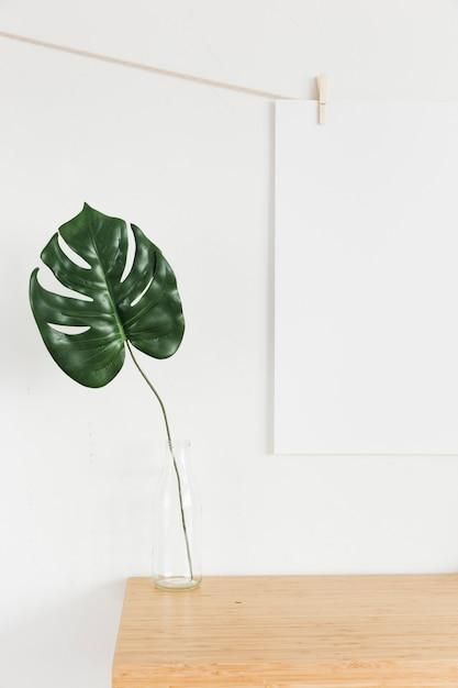 モダンな家具とミニマルなコンポジション 無料写真
