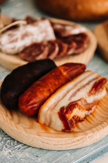 燻製肉とソーセージ 無料写真