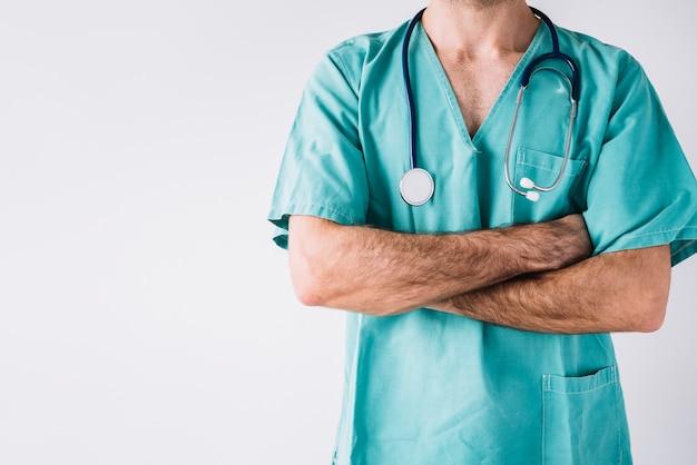 男性、医者、クローズアップ、腕、交差 無料写真