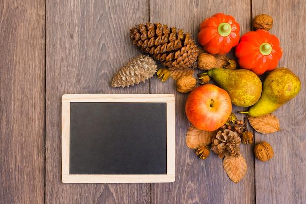 木製のボード、果物と野菜、テーブル 無料写真