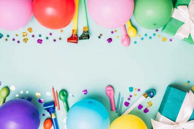 テキストを書くためのスペースと装飾的な誕生日パーティーの背景 無料写真