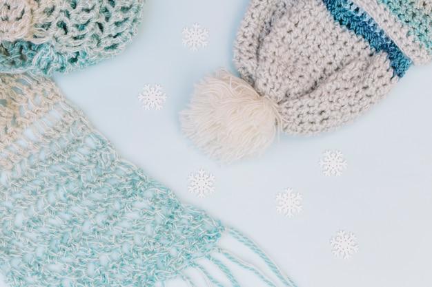暖かい服の冬の構成 無料写真