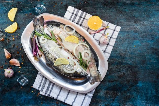 魚のエレガントな健康食品組成 無料写真
