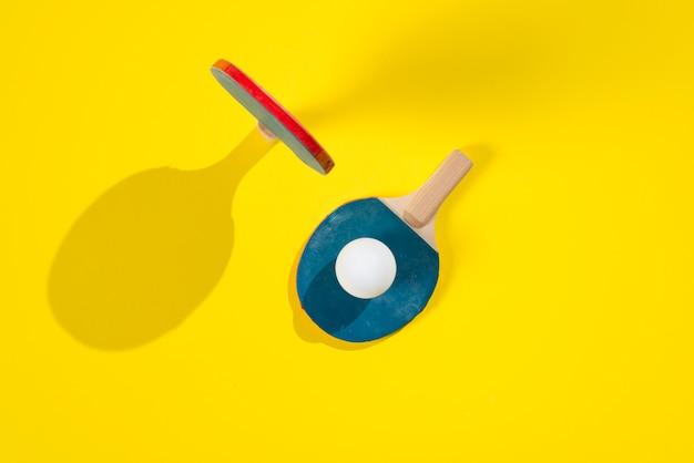 ピンポン要素を備えた現代スポーツ構成 無料写真