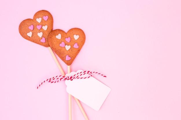 色とりどりのハート型のクッキー 無料写真