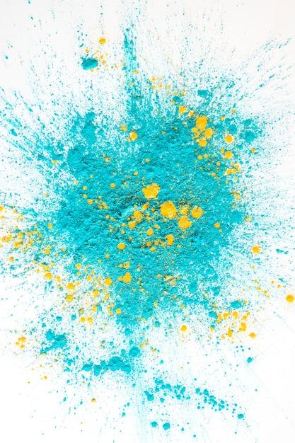 アクアマリンのヒープと黄色の明るいドライカラー 無料写真