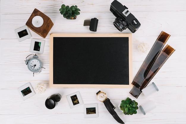 写真要素で囲まれた黒板 無料写真