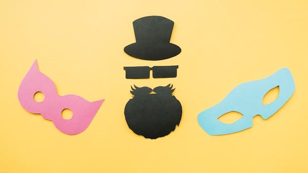 Бумажный макет масок и бородатого мужчины Бесплатные Фотографии