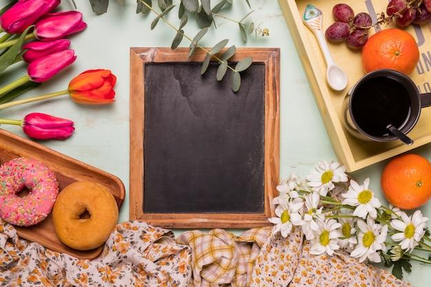 Рамка классная с сладкой аранжировкой на завтрак Бесплатные Фотографии