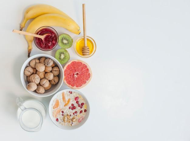 健康的な朝食 無料写真