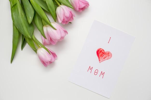 ピンクのチューリップとママの碑文が大好き 無料写真