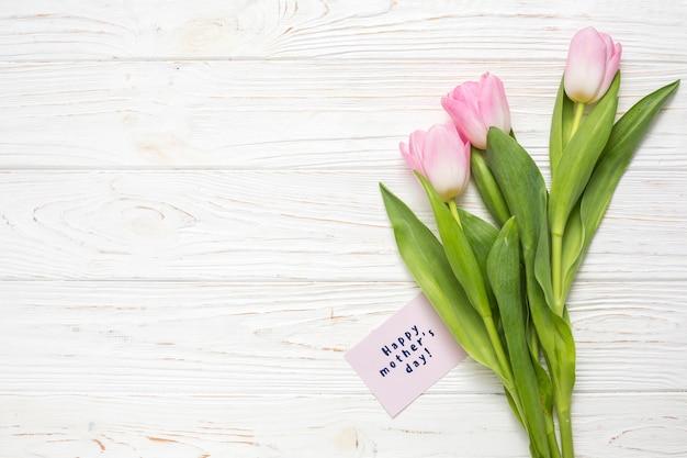 С днем матери надпись с тюльпанами Бесплатные Фотографии
