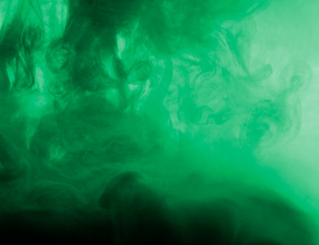 もやの濃い緑の雲 無料写真