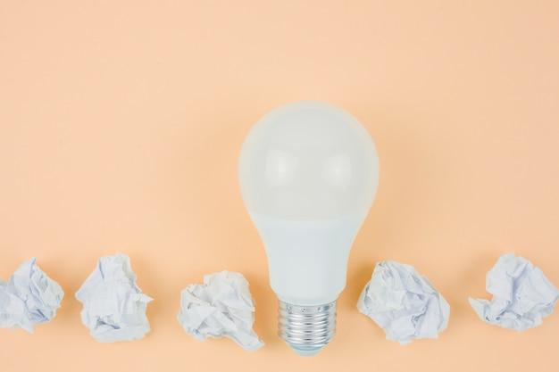 電球のビジネスコンセプト 無料写真