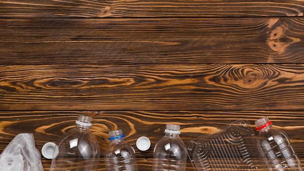 リサイクルのために分類されたプラスチック廃棄物のフラットレイ 無料写真