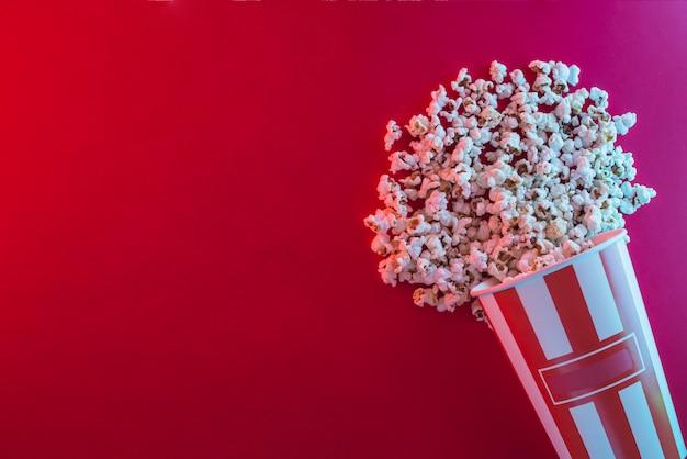 映画館のコンセプトのポップコーンの背景 無料写真