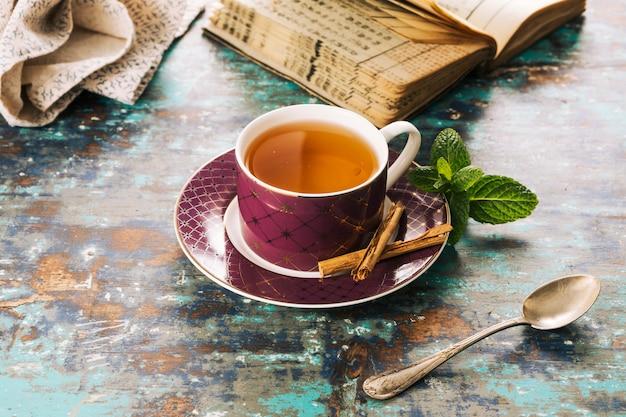 装飾茶のある静物 無料写真